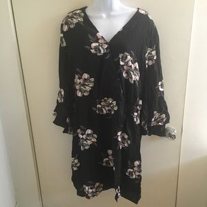 Floral surplice ruffle sleeve dress XL